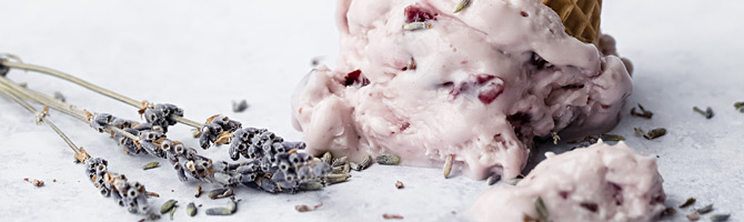 Beeren-Quark-Eis Lavendel