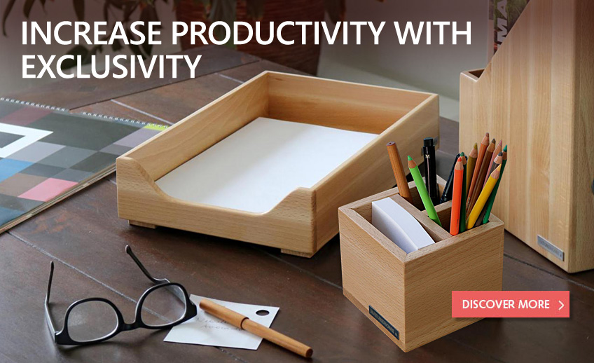 Sustainable desk accessories made of wood